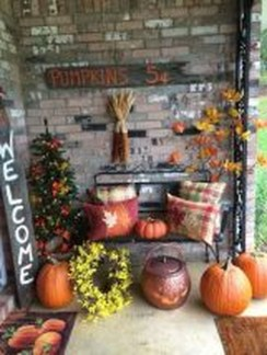 Easy Fall Porch Decoration Ideas To Make Unforgettable Moments 23