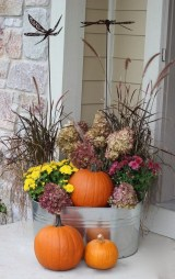Easy Fall Porch Decoration Ideas To Make Unforgettable Moments 28