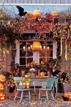 Easy Fall Porch Decoration Ideas To Make Unforgettable Moments 35