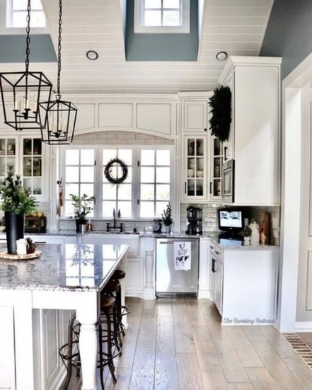 Gorgeous Farmhouse Kitchen Cabinets Decor And Design Ideas To Fuel Your Remodel 33