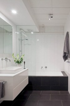 Minimalist Small Bathroom Remodeling On A Budget 22