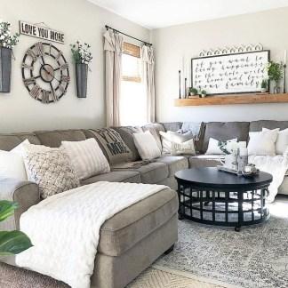 Stunning Fall Living Room Decoration Ideas 06