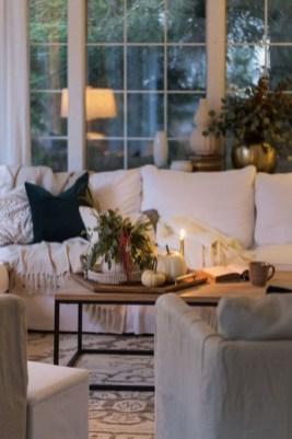 Stunning Fall Living Room Decoration Ideas 15