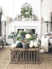 Stunning Fall Living Room Decoration Ideas 22
