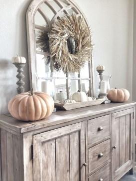 Stunning Fall Living Room Decoration Ideas 24