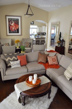 Stunning Fall Living Room Decoration Ideas 33