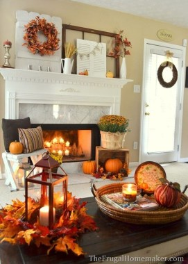 Stunning Fall Living Room Decoration Ideas 43