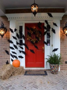Top Halloween Outdoor Decorations To Terrify People 27