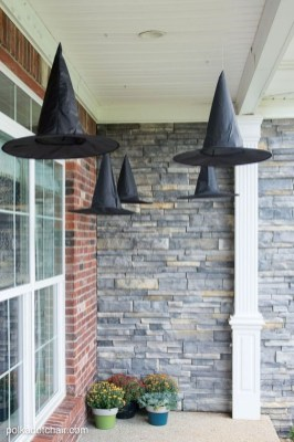 Top Halloween Outdoor Decorations To Terrify People 31