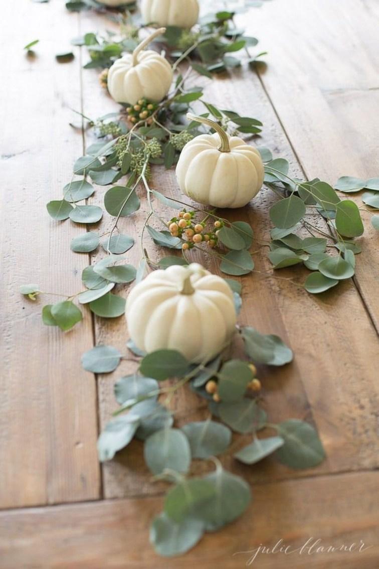 Beautiful Thanksgiving Table Decoration Ideas 24