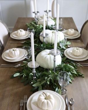 Beautiful Thanksgiving Table Decoration Ideas 43