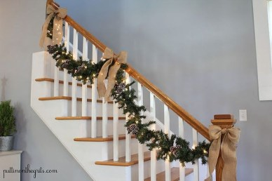 Best Christmas Decorations That Turn Your Staircase Into A Fairy Tale 13