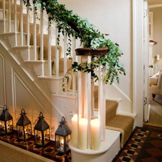Best Christmas Decorations That Turn Your Staircase Into A Fairy Tale 37