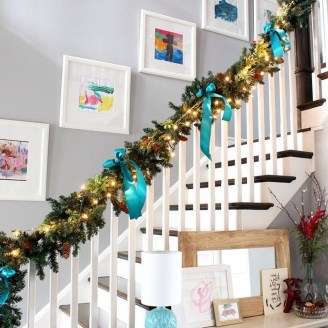 Best Christmas Decorations That Turn Your Staircase Into A Fairy Tale 40