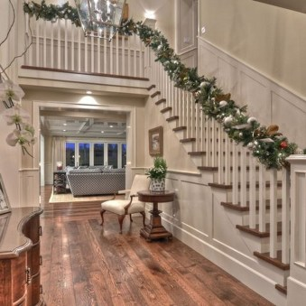 Best Christmas Decorations That Turn Your Staircase Into A Fairy Tale 48