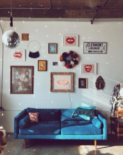 Brilliant Living Room Wall Gallery Design Ideas 03