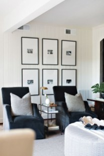 Brilliant Living Room Wall Gallery Design Ideas 10