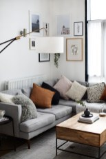 Brilliant Living Room Wall Gallery Design Ideas 37