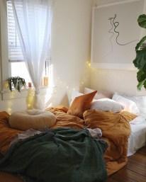 Cozy Fall Bedroom Decoration Ideas 01