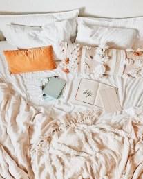 Cozy Fall Bedroom Decoration Ideas 03