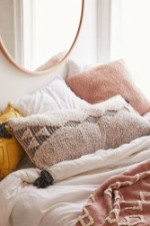 Cozy Fall Bedroom Decoration Ideas 21