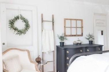 Cozy Fall Bedroom Decoration Ideas 39