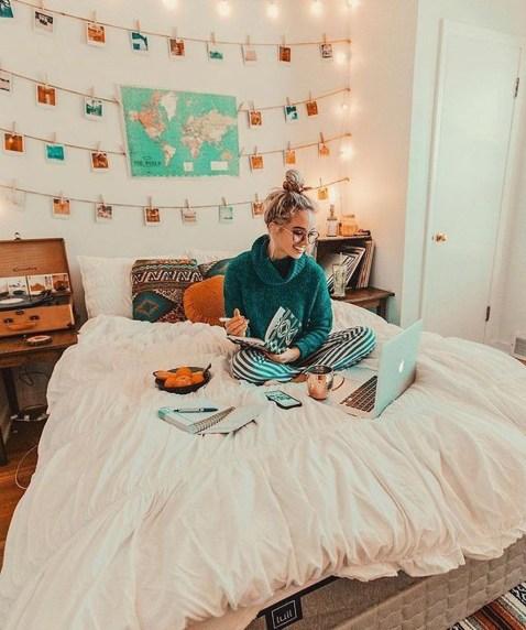 Cozy Fall Bedroom Decoration Ideas 54