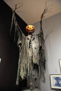 Creepy Decorations Ideas For A Frightening Halloween Party 10