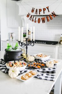 Creepy Decorations Ideas For A Frightening Halloween Party 14