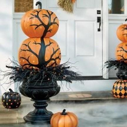 Elegant Outdoor Halloween Decoration Ideas 40