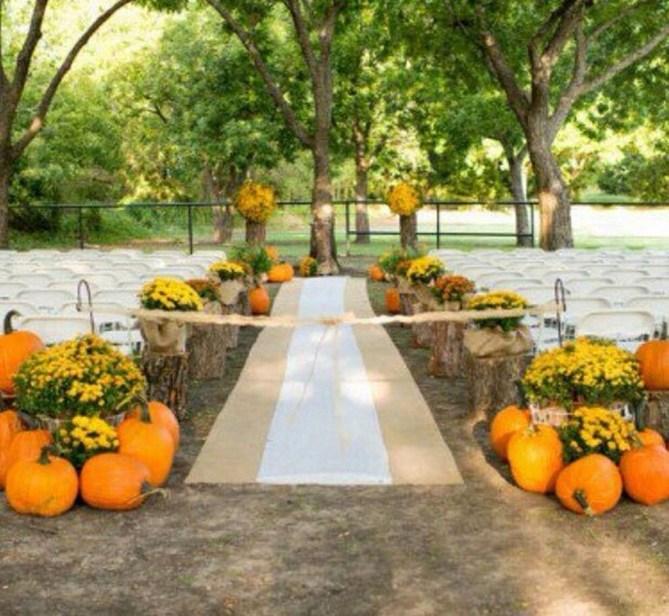 Elegant Outdoor Halloween Decoration Ideas 51