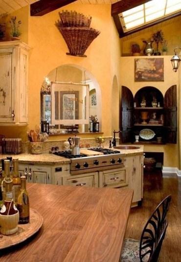 Luxury Tuscan Kitchen Design Ideas 11