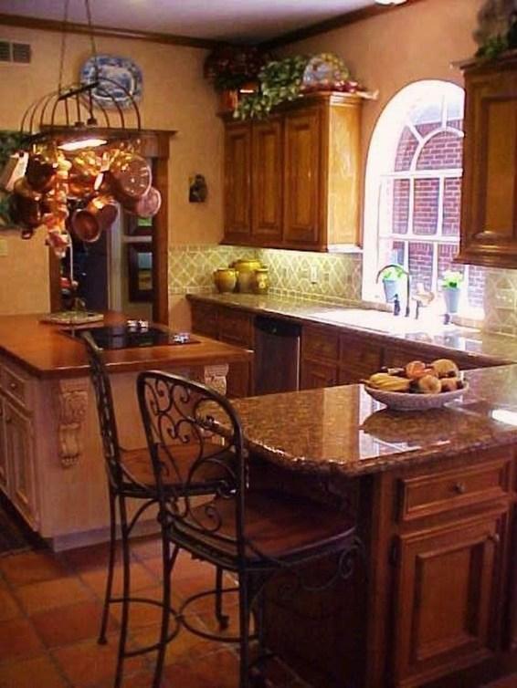 Luxury Tuscan Kitchen Design Ideas 39
