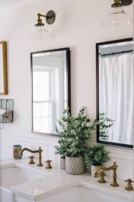Outstanding DIY Bathroom Makeover Ideas On A Budget 35
