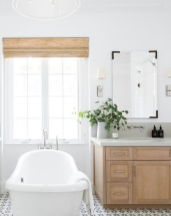 Outstanding DIY Bathroom Makeover Ideas On A Budget 53