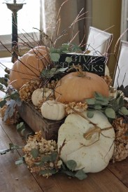 Simple Fall Table Decoration Ideas 04