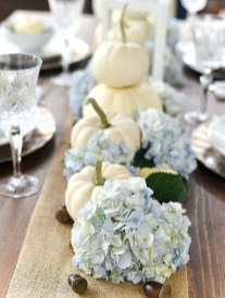 Simple Fall Table Decoration Ideas 05