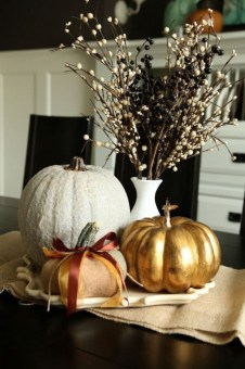 Simple Fall Table Decoration Ideas 29
