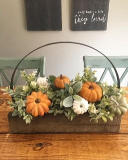 Simple Fall Table Decoration Ideas 39