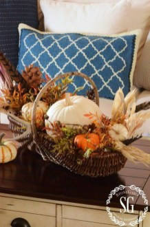 Simple Fall Table Decoration Ideas 44