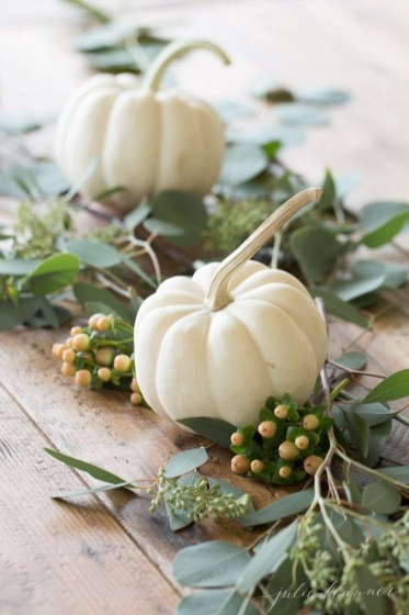 Simple Fall Table Decoration Ideas 45