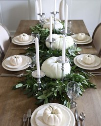 Simple Fall Table Decoration Ideas 48
