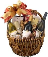 Stylish DIY Wine Gift Baskets Ideas 23