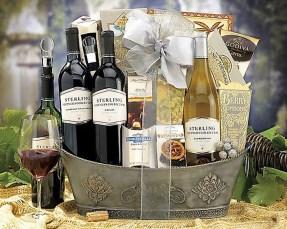 Stylish DIY Wine Gift Baskets Ideas 25