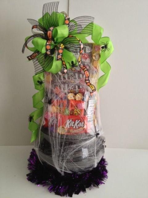 Stylish DIY Wine Gift Baskets Ideas 28