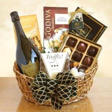 Stylish DIY Wine Gift Baskets Ideas 46
