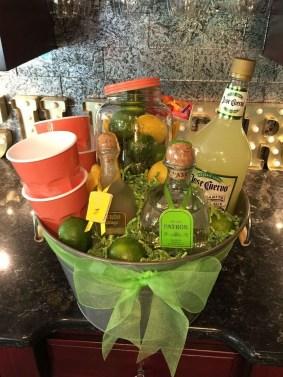 Stylish DIY Wine Gift Baskets Ideas 49