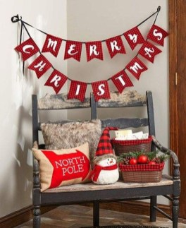 Super Easy DIY Christmas Decor Ideas For This Year 24
