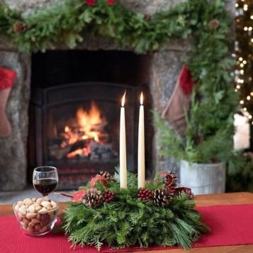 Amazing Christmas Centerpieces Decoration Ideas 43