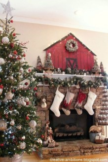 Awesome Fireplace Christmas Decoration To Makes Your Home Keep Warm 05